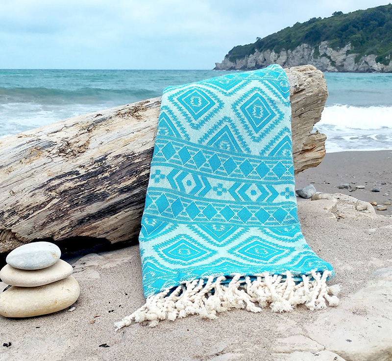 Duży ręcznik plażowy na wakacje
