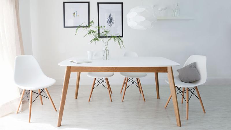 Ładne krzesła do salonu i jadalni