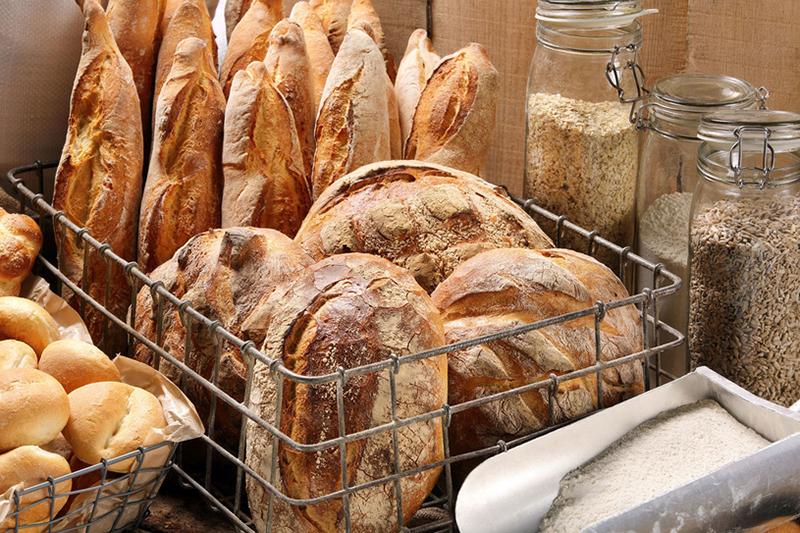 domowy chleb z wypiekacza do chleba