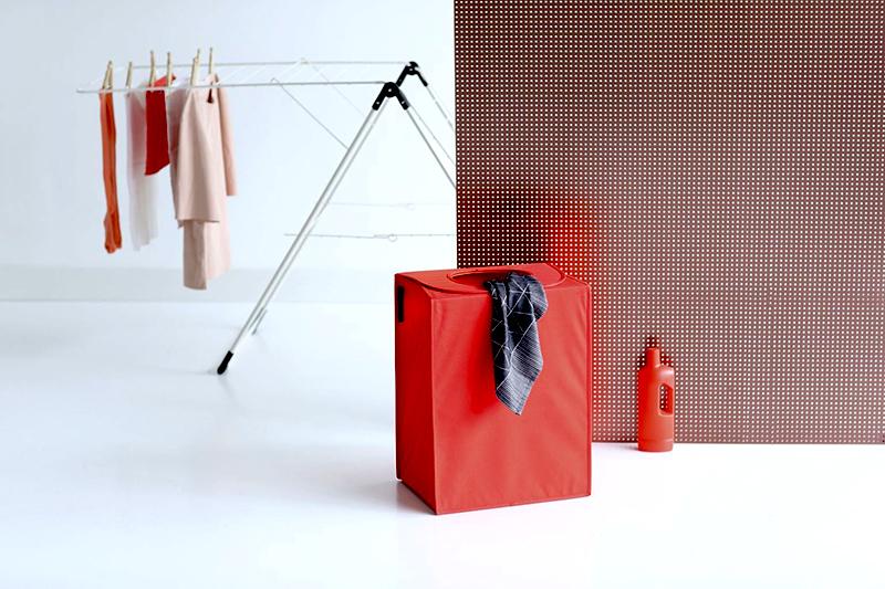 Kosz na pranie Laundry to Go Brabantia czerwony