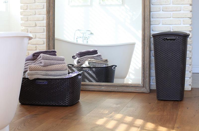 Kosz i pojemnik na pranie z tworzywa sztucznego