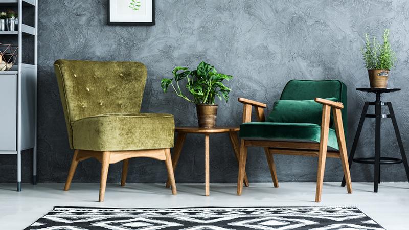 Wygodne krzesła i stołki
