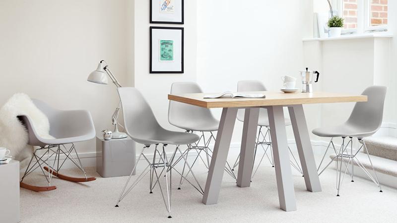 Najlepsze krzesła do salonu i jadalni