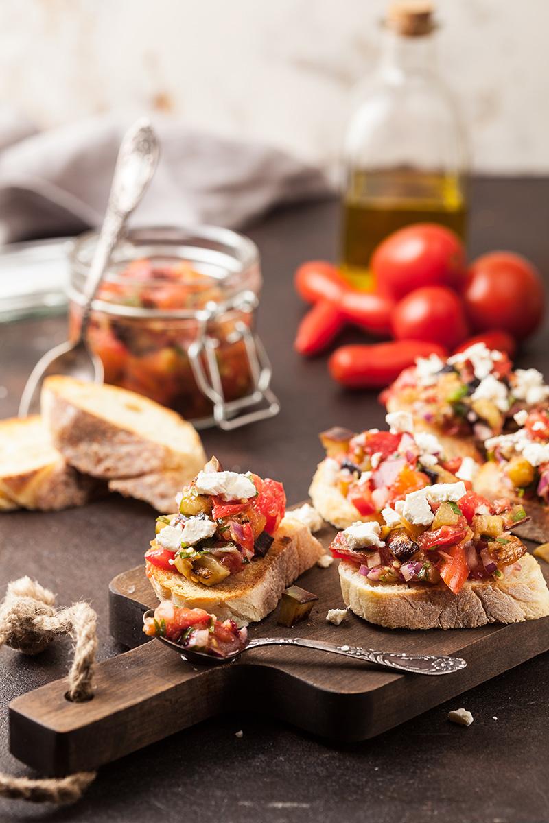 Grzanki z pomidorami - przekąski na sylwestra