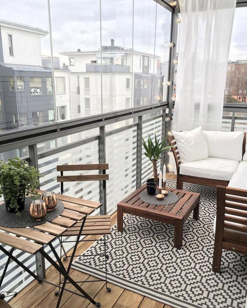 pomysł na aranżację balkonu w bloku