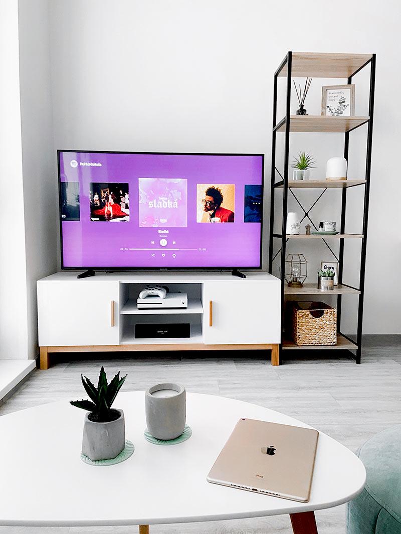 Co robić w domu? - oglądanie filmów i seriali