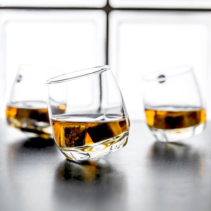 Bujające się szklanki do whisky Sagaform