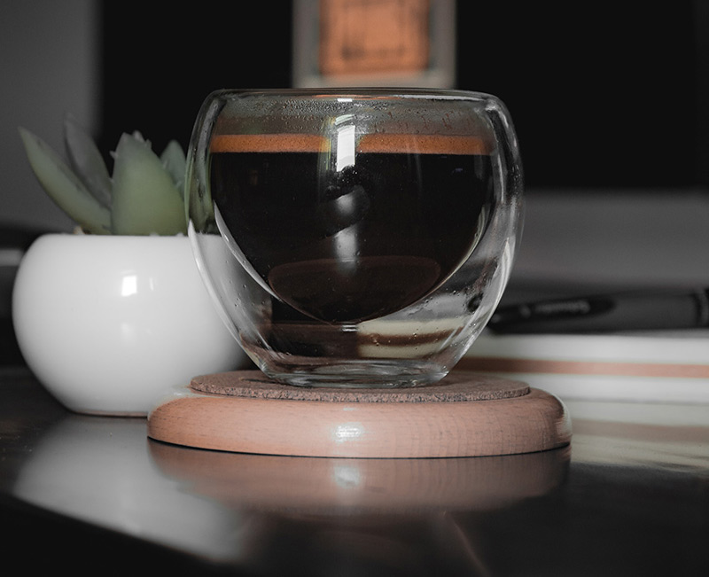 szklanka termiczna bez uszka z espresso