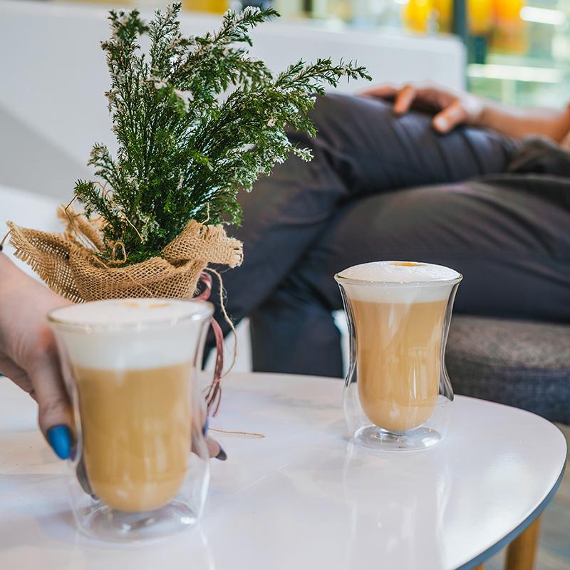 szklanki do kawy z ekspresu