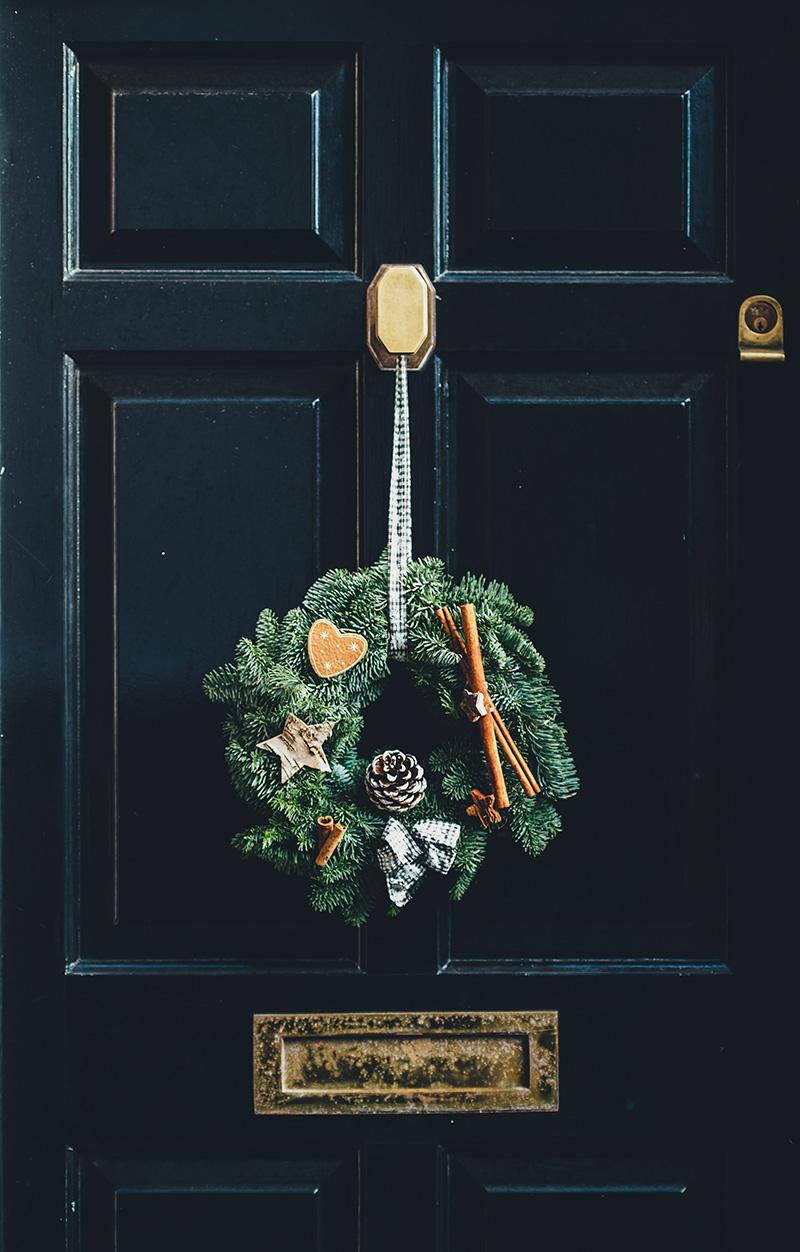 Wieńce świąteczne do ozdoby drzwi