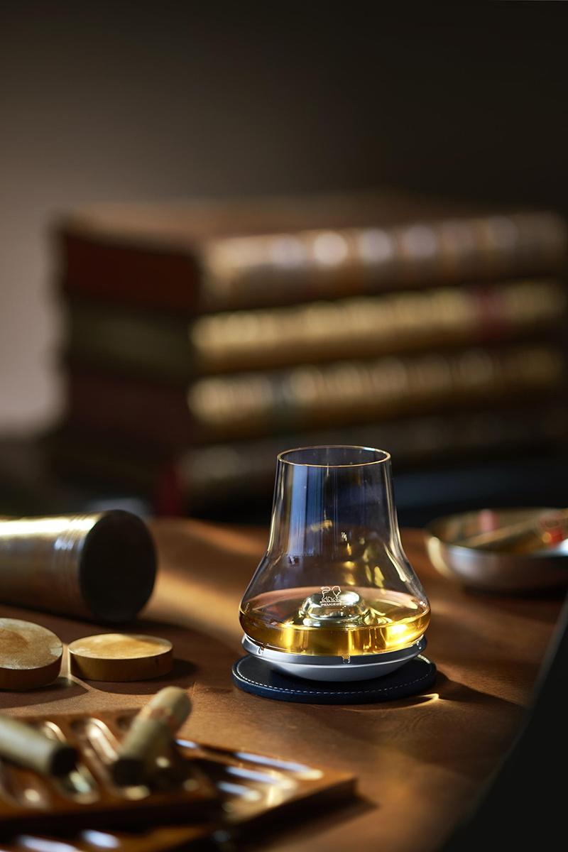 zestaw do degustacji whisky - pomysł na prezent świąteczny